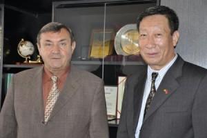 """""""Avem de toate aici!"""" -Directorul Institutului Confucius din cadrul ULBS, Song Shaofeng – un chinez îndrăgostit de România"""