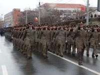 Zece mii de oameni au asistat la parada militară de la Sibiu