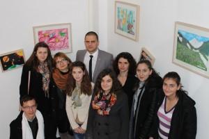 Bogdan Trif si copiii expozitie APM Sibiu