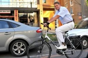Klaus pe bicicleta