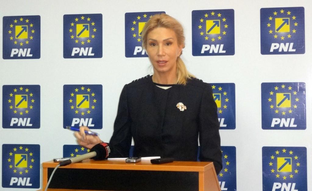 Raluca Turcan le cere premierului Victor Ponta și ministrului Transporturilor, Ioan Rus, să demisioneze