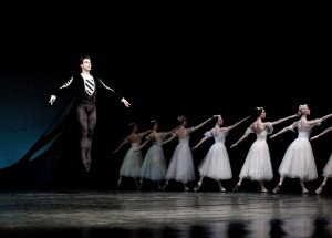 Ovidiu Iancu, fost prim solist al Operei Naţionale Bucureşti, dansează din ianuarie la Teatrul de Balet Sibiu