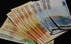 A zecea şedinţă consecutivă cu euro la 4,41 lei