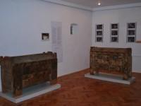 50 de piese de mobilier săsesc sunt expuse la Casa Artelor