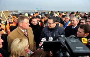 Premierul Victor Ponta a anunțat că va continua colaborarea instituțională cu președintele Klaus Iohannis, fiind vorba despre o obligație pe care o are față de cetățeni.