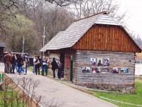 Colecţia de azulejo va fi expusă pe șase vitrine în Şcoala din Ticera