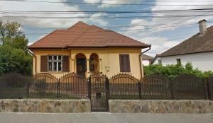 Strada VIP-Pentru doar 600 de euro pe lună poți fi vecin cu președintele Iohannis
