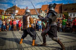 """Toate drumurile duc la Sibiu. Începe Festivalul Medieval """"CetăţiTransilvane"""" Sibiu"""
