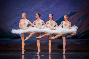 """""""Lacul Lebedelor"""" deschide stagiunea 2015 – 2016 la Teatrul de Balet Sibiu"""