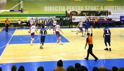 CSU Atlassib Sibiu câștigă la două puncte meciul de la Târgu Jiu