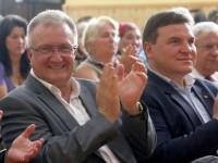 Prefectul Ovidiu Sitterli (dreapta) și Ioan Cindrea, președintele PSD Sibiu (stânga)