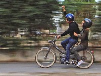 """La periferia Parisului, doi copii romi din România sunt puși în fața unei decizii sfâșietoare. """"Spartacus & Cassandra"""", la Astra Film Cinema"""