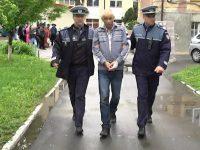 Polițiștii dorm în papuci
