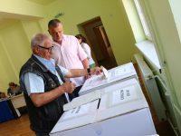 REZULTATE ALEGERI LOCALE: Astrid Fodor câștigă Primăria Sibiu cu aproape 57%; PNL ia 32 de primării, PSD – 26, ALDE – 4, FDGR și candidați independenți – câte una