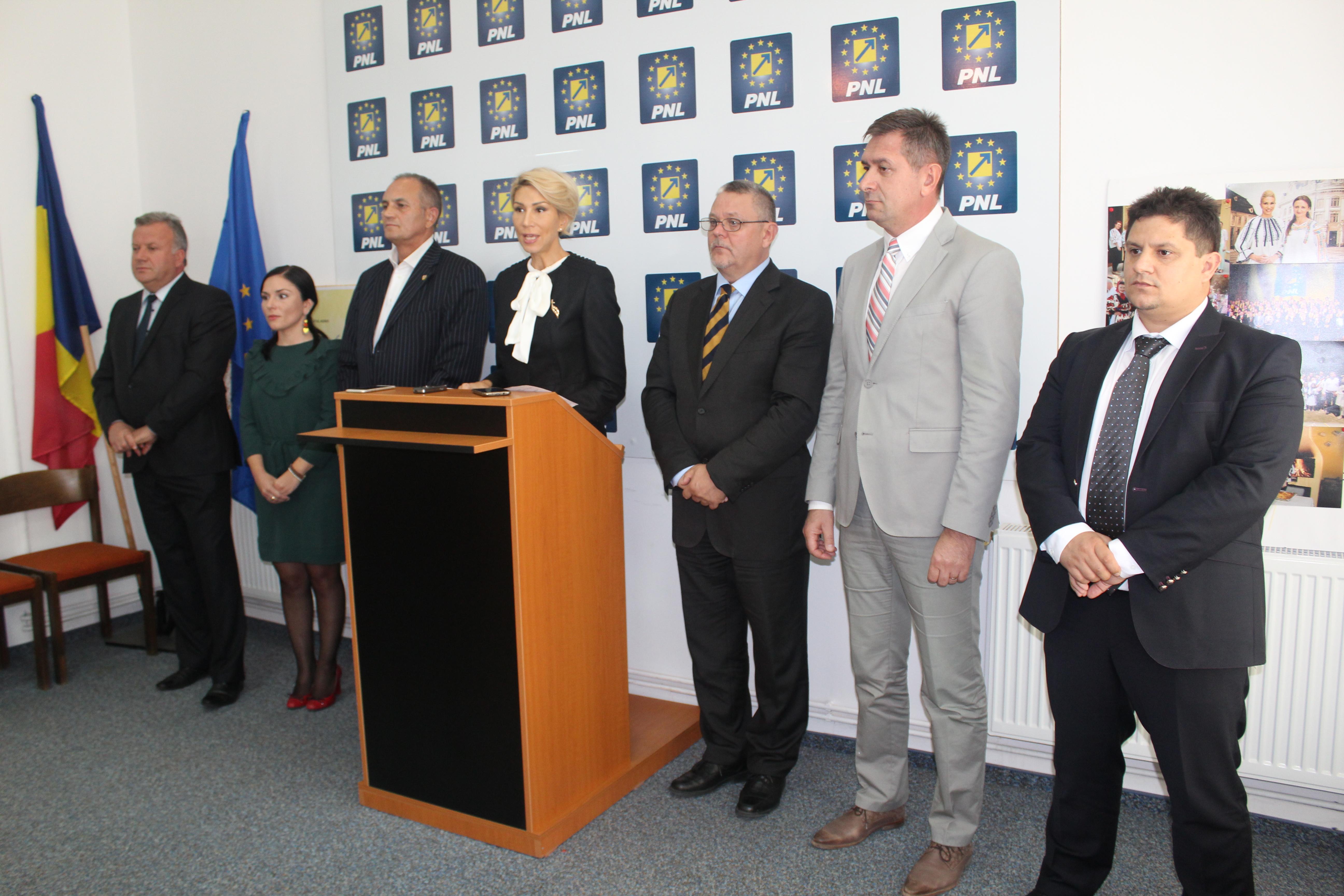 Sibiu ziarul mesagerul inta pnl sibiu doi senatori for Lista senatori