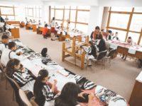 """Începe olimpiada județeană """"Meşteşuguri artistice tradiţionale""""! 133 de elevi s-au înscris în competiție"""