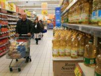Două treimi din cheltuielile românilor se duc pe alimente. Care sunt produsele cele mai apreciate în România