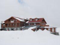 Zăpadă de aproape doi metri la Bâlea Lac