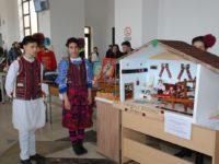 Deșeurile pot fi și artă! Ne-o demonstrează elevi și studenți din trei județe, astăzi, la Sibiu!