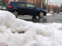Nouă drumuri naționale sunt afectate de căderile de zăpadă
