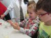 """Lecții """"altfel"""" la uzinele de apă ale Sibiului –Copiii concluzionează: apa este bună !"""