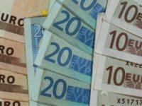 Euro a făcut un mic pas înapoi