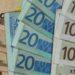 Guvernele trec,eurose întoarce spre 4,55lei