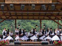 """""""Bujorul de munte"""" deschide sărbătoarea tradiției la Gura Râului"""