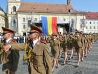 Ceremonie în Piața Mare, de Ziua Drapelului Naţional