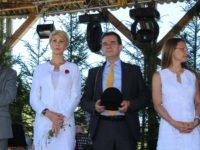 """Ludovic Orban a participat la festivalul """"Sus pe muntele din Jina"""" / foto: Facebook Raluca Turcan"""