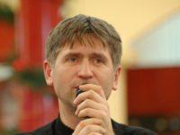 Arhiepiscopia Sibiului va judeca apelul lui Pomohaci pe 19 septembrie. Enoriașii pun presiune peConsistoriul Mitropolitan