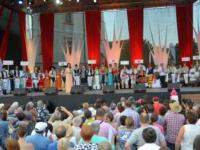 """Peste 600 de artişti vin la festivalul """"Cântecele Munţilor"""""""