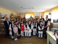 Școala din Rîu Sadului, premiată de Garda de Mediu culaptopuri și birouri