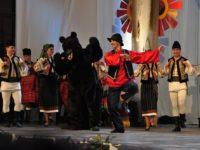 """Peste 600 de artiști vor participa la Festivalul Național de Folclor """"Ioan Macrea"""". Biletele se pun în vânzare de mâine"""
