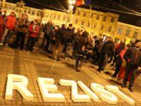 Protest amplu împotriva Guvernului la Sibiu   FOTO și VIDEO