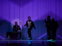 """Turneul """"Manifest pentru dialog""""continuă cu spectacolul """"Familii"""" la Sibiu"""