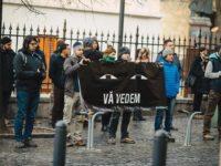 Protestul din faţa sediului PSD Sibiu a fost AUTORIZAT şi pentru ziua de mâine. REACȚIA: stați liniștiți la locurile voastre…
