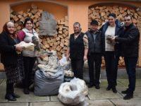 Angajații Ministerului Agriculturii au cumpărat 680 de perechi de ciorapi de lână din Tilișca