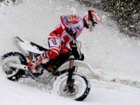 Concurs de enduro pe zăpadă la Arena Platoș Păltiniș