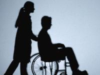 Instruire gratuită pentru asistenții personali ai persoanelor cu handicap grav