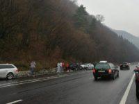 Accident TERIBIL pe Valea Oltului! Șase tineri sunt în stare gravă