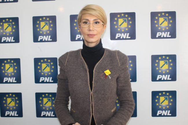 Raluca Turcan: Până luni ar trebui demiși șase miniştri