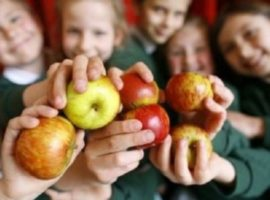 Elevii vor primi fructe și legume proaspete