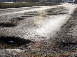 Starea drumurilor, în topul cauzelor care scad gradul de siguranţă rutieră