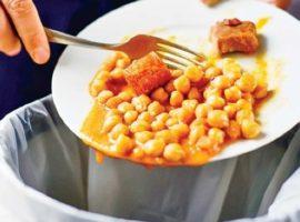Risipa de mâncare, o PROBLEMĂ reală în România