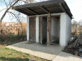 Promisiunile guvernanţilor: până în anul 2020 – nicio unitate şcolară cu toaletă în curte