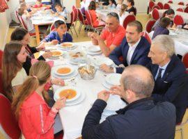 """Cîrța, prima comună din județul Sibiu care le oferă elevilor un program """"Școală după școală"""""""