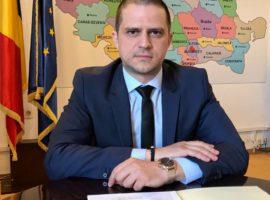 """O asociație îl numește pe Bogdan Trif """"turist pe fotoliul de ministru""""!"""