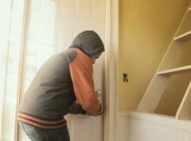 Atenţie cui permiteţi accesul în locuinţă!