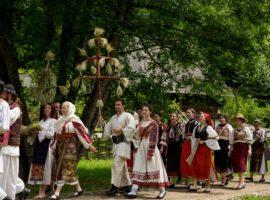 Sibiul sărbătorește Ziua Naționalăa Costumului Tradițional din România